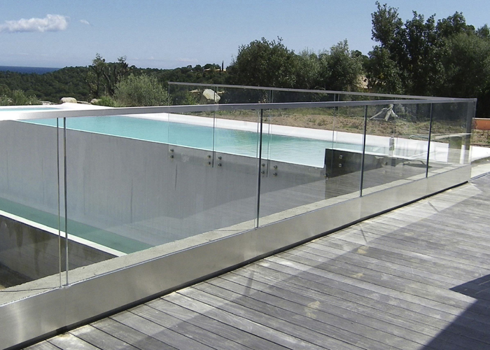 Glass For Railings 700x500