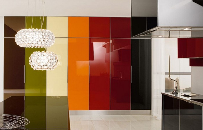 colorful-glossy-lacquered-kitchen-design