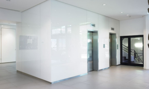 White Lacquered Glass Wall Cladding 700x500