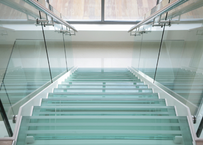 Glass Stairs/Steps-700x500